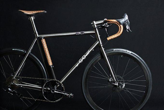 leichtes e bike e goist rt wiegt 10 8 kg und setzt auf. Black Bedroom Furniture Sets. Home Design Ideas