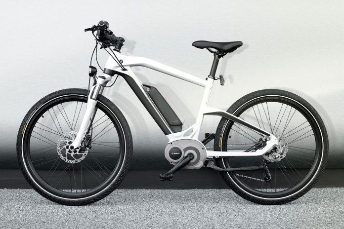neues bmw cruise e bike 2014 kommt mit bosch antrieb. Black Bedroom Furniture Sets. Home Design Ideas