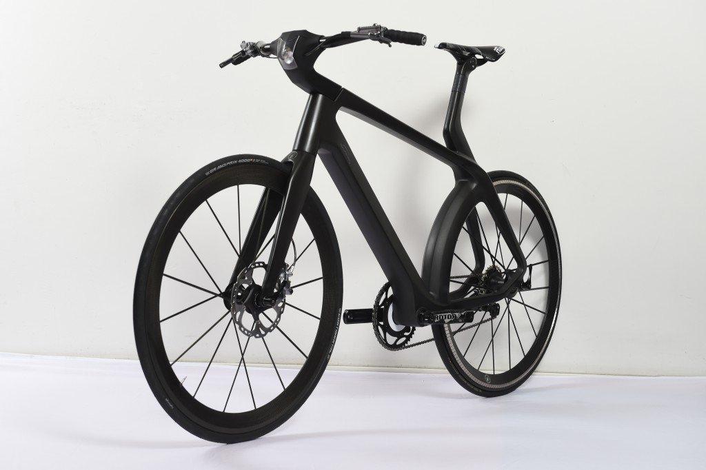 E-Bike VelocitéŽ mit Transversalfluss-Motor von vorne / Foto: Lightweight