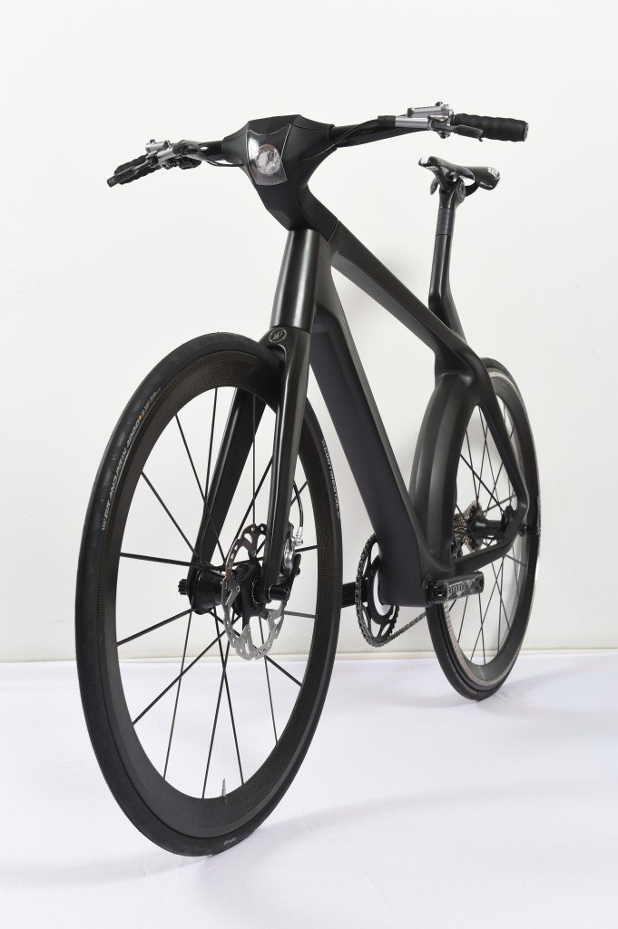E-Bike VelocitéŽ mit Transversalfluss-Motor frontal / Foto: Lightweight