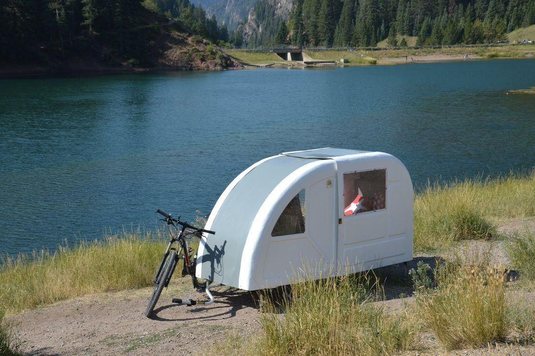 camping auf zwei r dern ebike caravan ebike. Black Bedroom Furniture Sets. Home Design Ideas