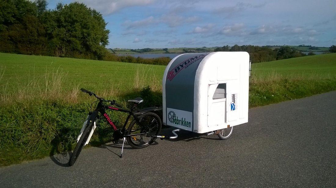 Camping Anhänger am Rad