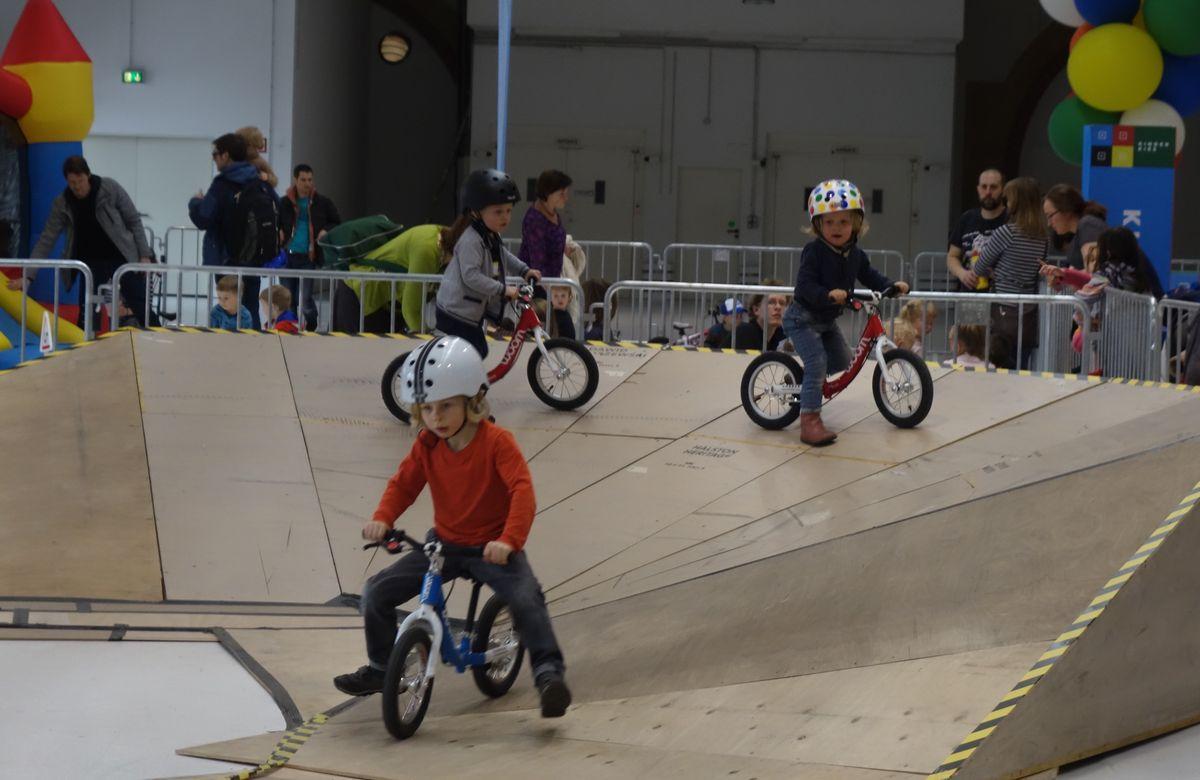 Laufradralley auf der Berliner Fahrradschau