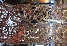 Skulptur Goldene Zahnkränze - geht auch ohne Förderung für e-Bikes