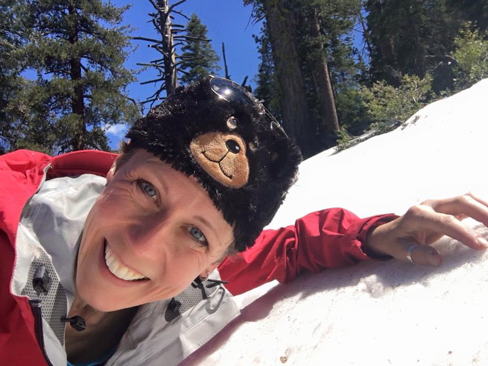 Susanne Brüsch im Snow Teil ihrer e-Bike Tour /Bild: Pedelec Adventures