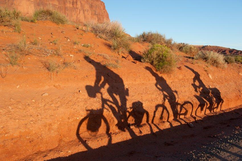 Feinfilm begleitet die e-Bike Tour durch Sand und Snow /Bild: Pedelec Adventures