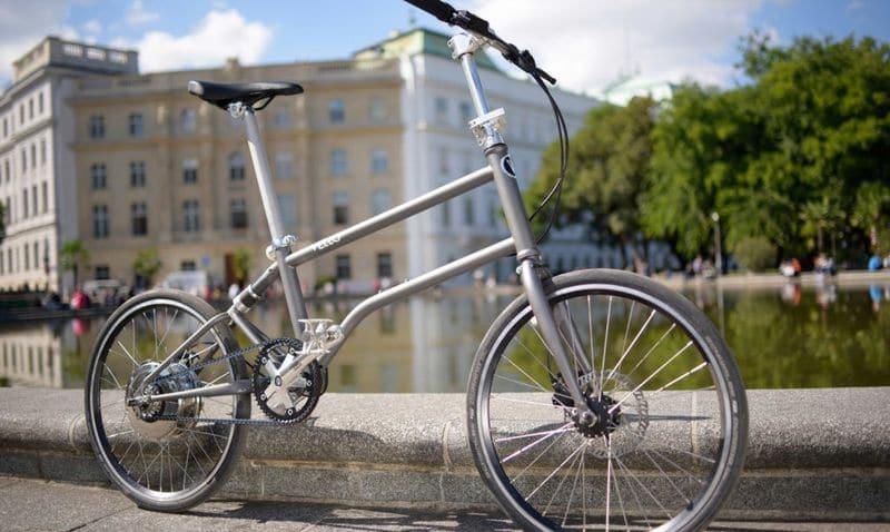 Kleine, große Hilfe: Das Fast e-Bike Vello lädt beim Fahren
