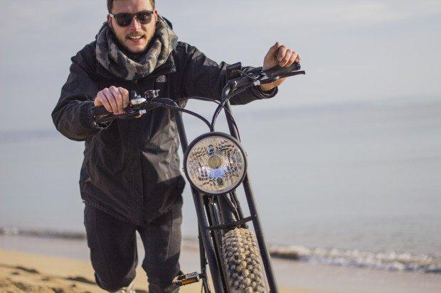 Moped e-Bike Moke am Strand
