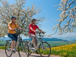 Mit dem E-Bike in den Frühling radeln.