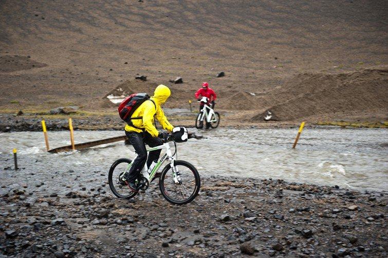pedelec-adventures.com_Iceland-Challenge_2013_Askja_Foto_S_Bruesch