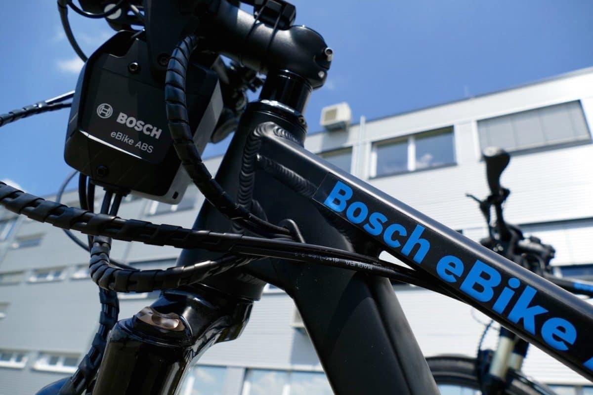 Bosch eBike ABS Kontrolleinheit und Kabel