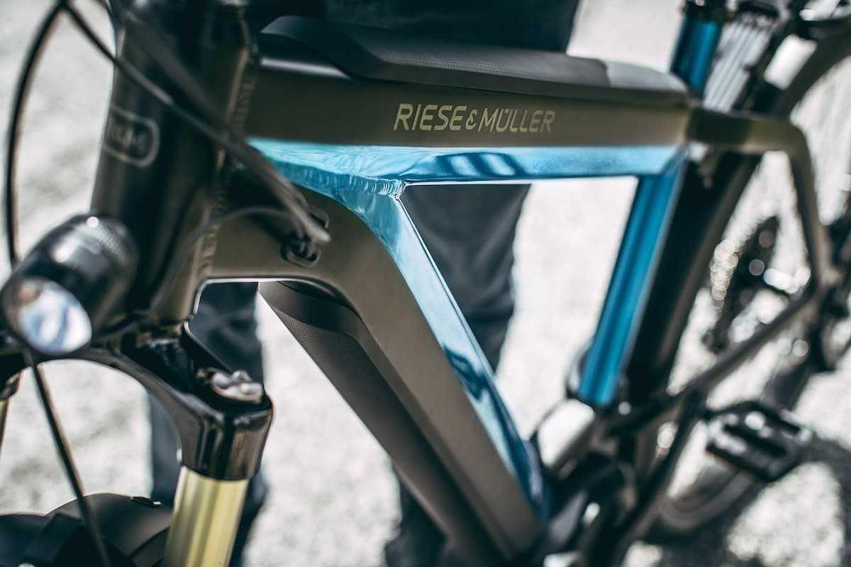 Riese & Müller 2018_Supercharger_electric-blue-metallic_outdoor