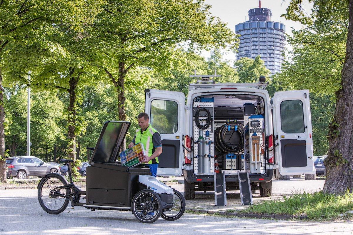 Bild 1_Das Lastenfahrrad ProCargo CT1 ermîglicht Servicetechnikern einen schnellen, fahrerlizenzfreien und emissionsfreien Transport.