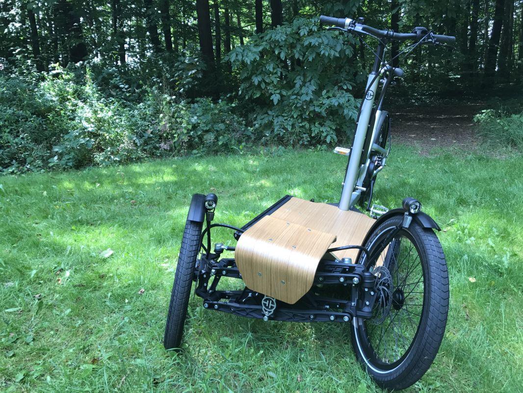 CD1 Cargo e-Bike in Schräglage