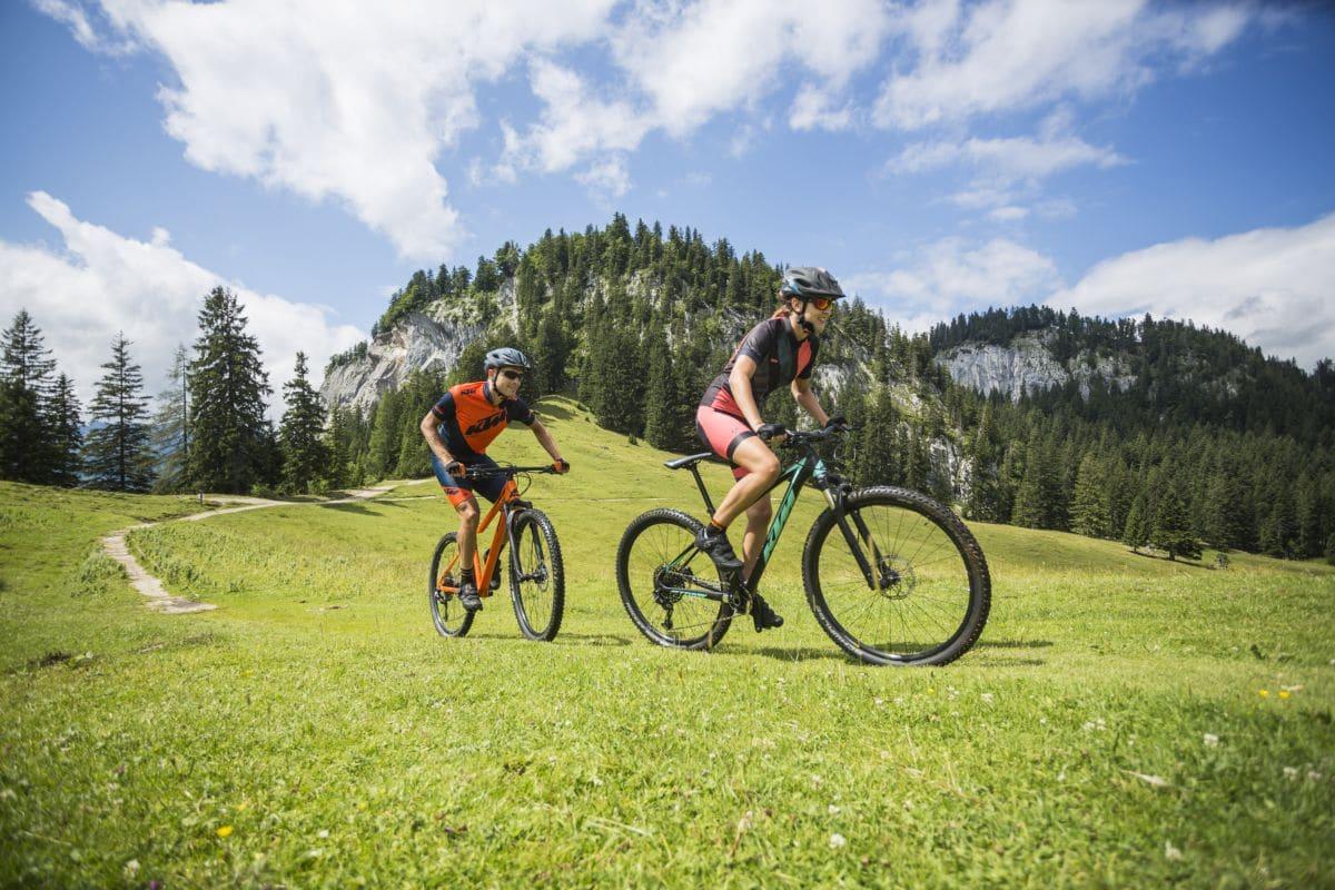800px_KTM e-bikes 2018 hm_ktm_Action_2018_297