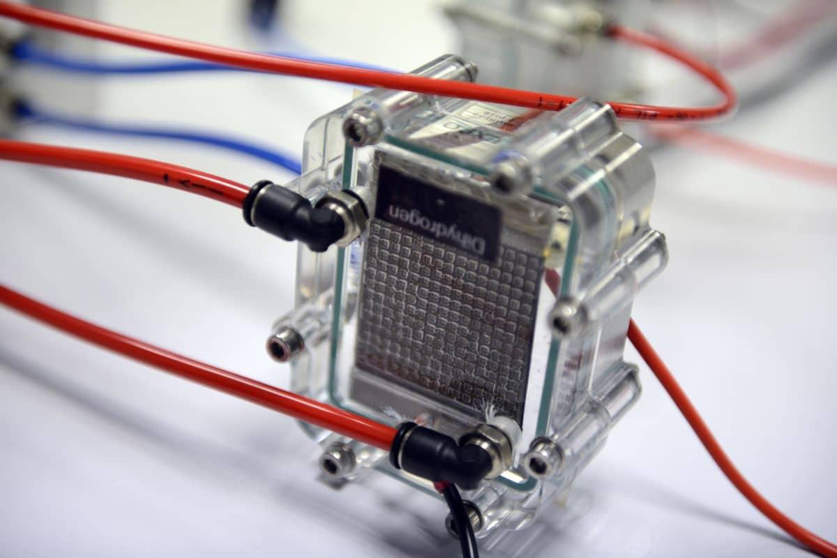 Pragma Industries Wasserstoff e-Bike mit Brennstoffzelle und ODS