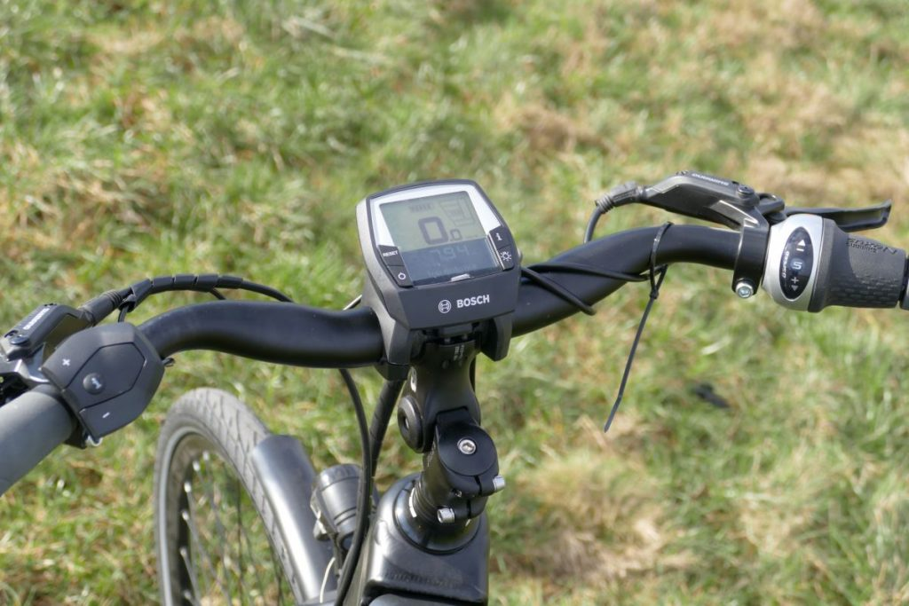 Gepida City e-Bike Test Reptilia Pro Nexus 8 Lenker mit Bosch Intuvia Display