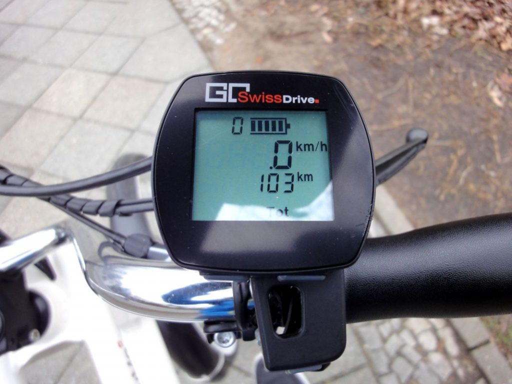 YouMo Cruiser e-Bike Test GoSwissDrive Bedienung