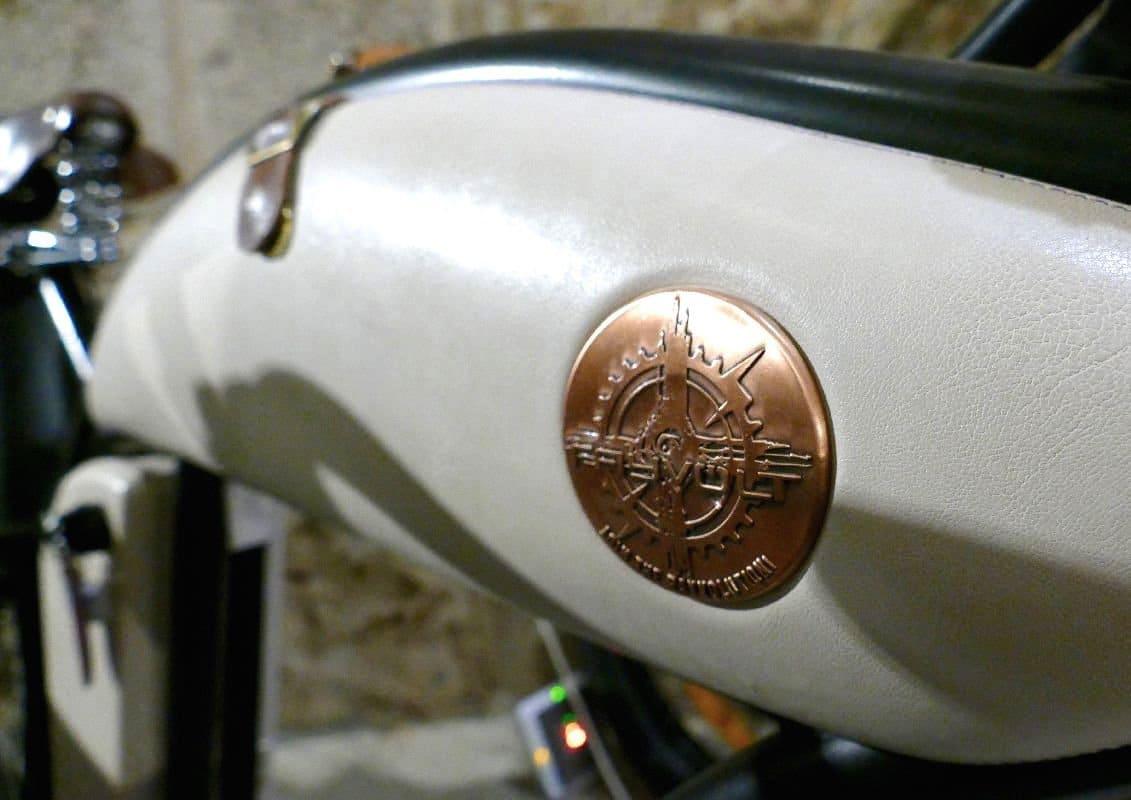 Rayvolt Cruzer e-Bike Barcelona 48V Akku Cover