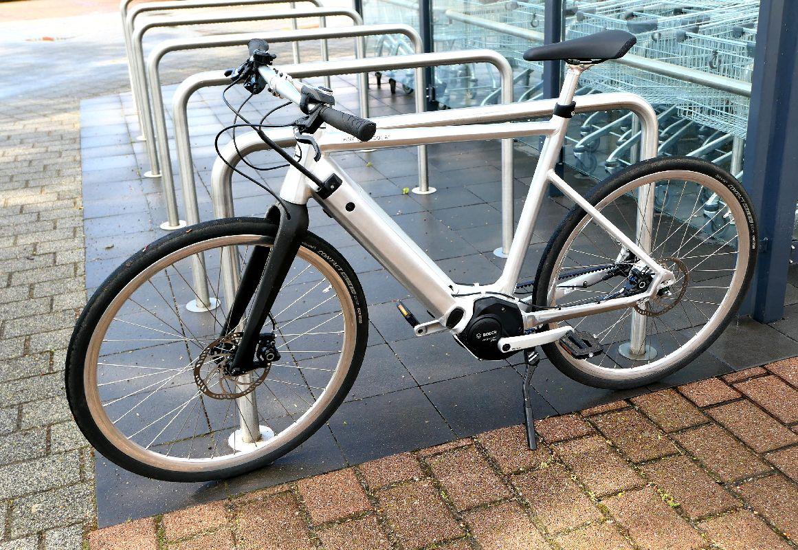 Test SD1 Urban e-Bike von HNF NICOLAI P1000154_SD1_Ständer_b_h_WM