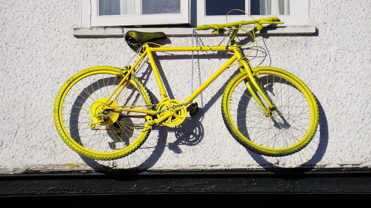 E-Bike Versicherung Fahrrad fest angeschlossen