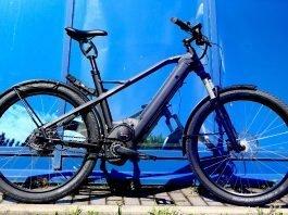 XD2 Urban e-Bike Test HNF-NICOLAI P1000132 XD2 rechts blaue Wand_b_h_WM