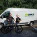 rebike1 Gründer vor Transporter