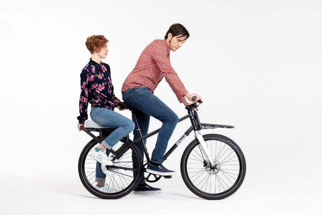 Modular e-Bike Ahooga transportiert 2 Leute