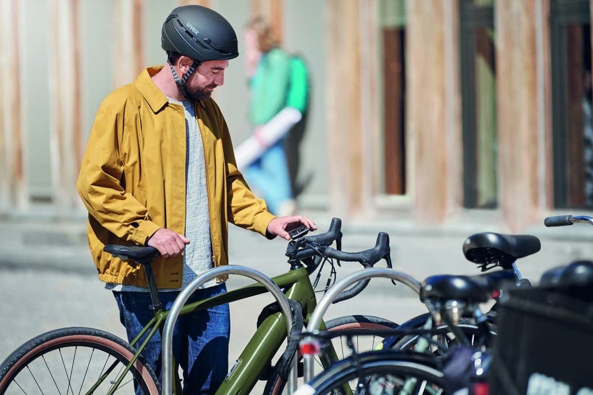Radfahrer zieht Kiox-Display ab und deaktiviert damit die Antriebseinheit des E-Bikes
