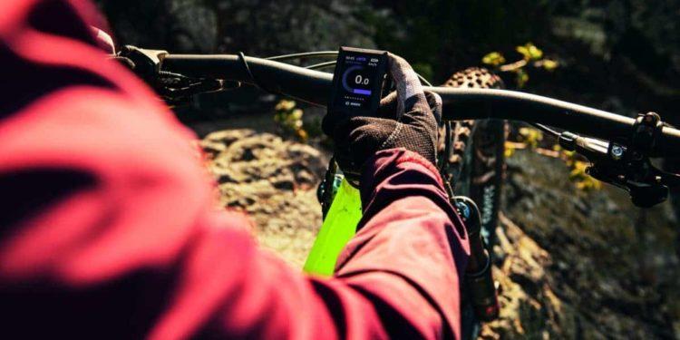 Kiox, das kompakte Farbdisplay für sportive Fahrer, vernetzt den eBiker über die Smartphone-App eBike Connect mit der digitalen Welt. Foto: Bosch