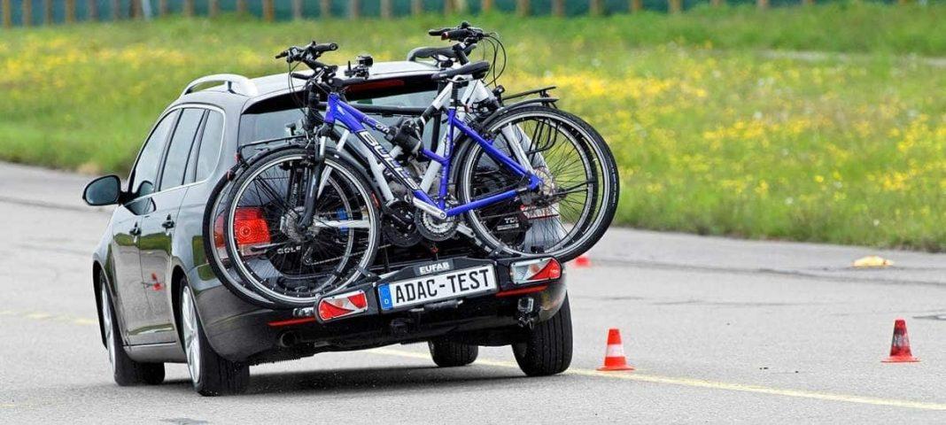 Fahrradheckträger Eufab Premium 3 beim Ausweichtest