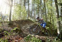 Urs Huber auf einem BULLS SONIC E-Mountainbike (Foto: BULLS)