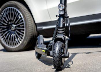 Neu Mercedes-Benz E-Scooter in der EQ Markenfamilie in Kooperation mit micro  New Mercedes-Benz e-scooter in the EQ brand family, in cooperation with micro
