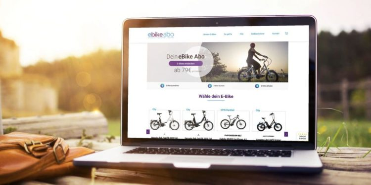 Notebook mit Webseite des E-Bikes-Abo von rebike1