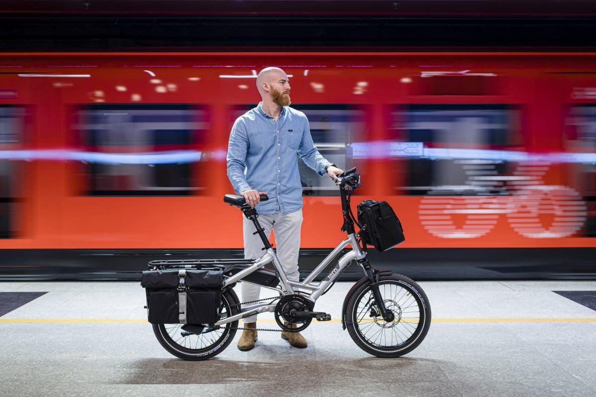 TERN Kompakt-Cargobike HSD S+ in der U-Bahn
