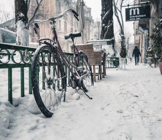 Fahrrad im Schnee - E-Bike richtig einlagern - eBikeNews