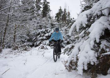 Winterbekleidung für E-Bike Fahrer. Warm durch den Winter.