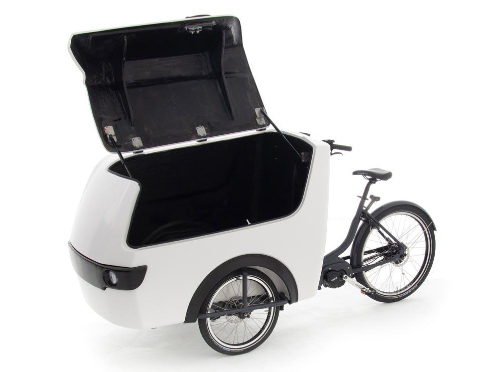 Das Babboe Pro Trike XL mit geöffneter Transportbox - eBikeNews