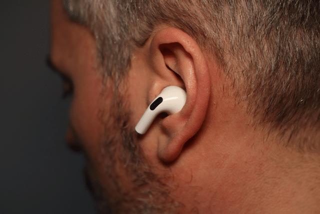 Apple AirPods Pro im Einsatz - eBikeNews