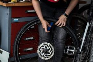 So funktioniert der Reifenwechsel am E-Bike problemlos selbstständig.