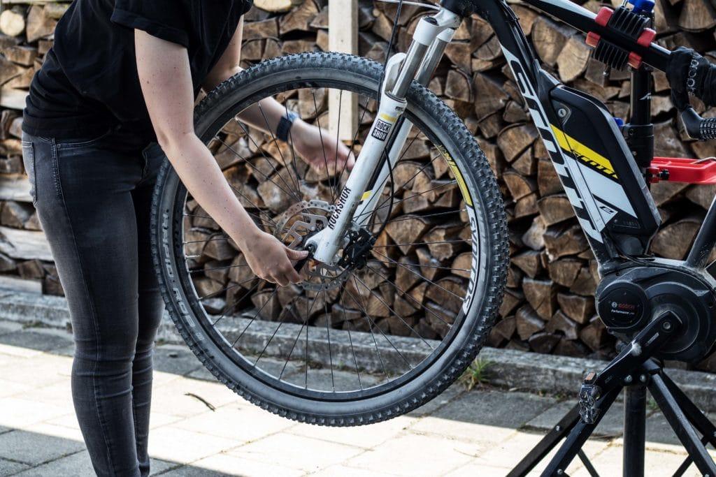 Selbstständig den Reifenwechsel am E-Bike durchführen - Anleitung und Ratgeber