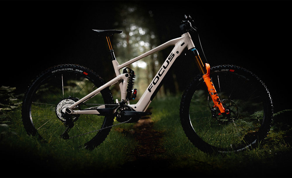 FOCUS SAM²: vollgefedertes E-MTB mit Bosch Performance Line CX - eBikeNews